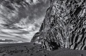 Basaltsteine am Strand von Reynisfjara