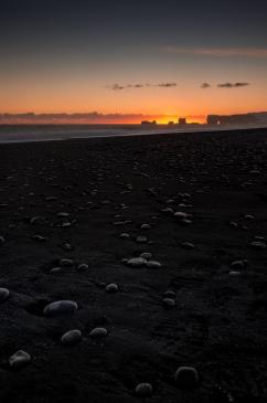 Reynisfjara mit Blick auf Kap Dyrhólaey